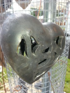 Herz aus Keramik  Aufhängerherz Brigitte Lang KeramikAtelier Rauenberg
