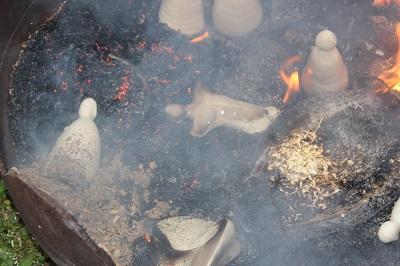 céramique cuisson raku pointe colonne blanc noir