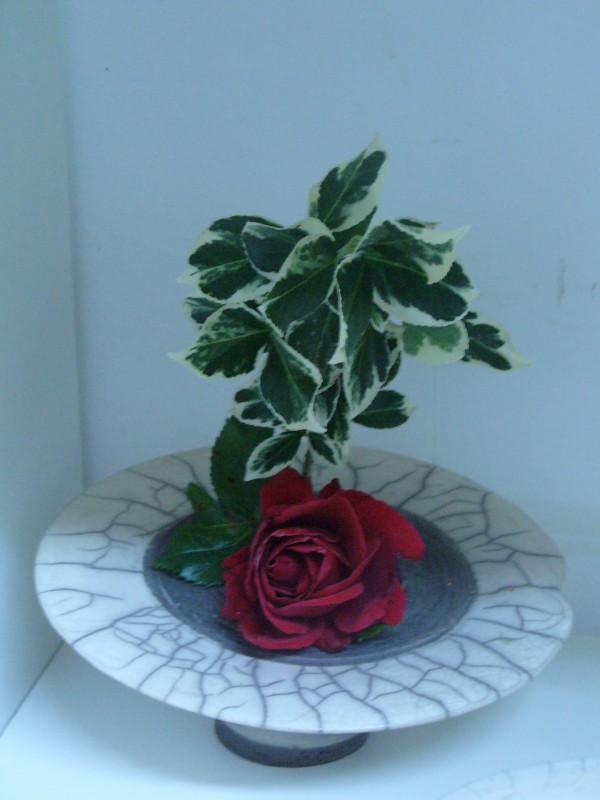 Raku-Vase, flach, Ikebana