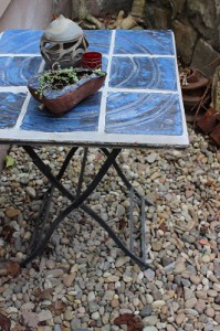 Keramik Tisch mit Mosaik