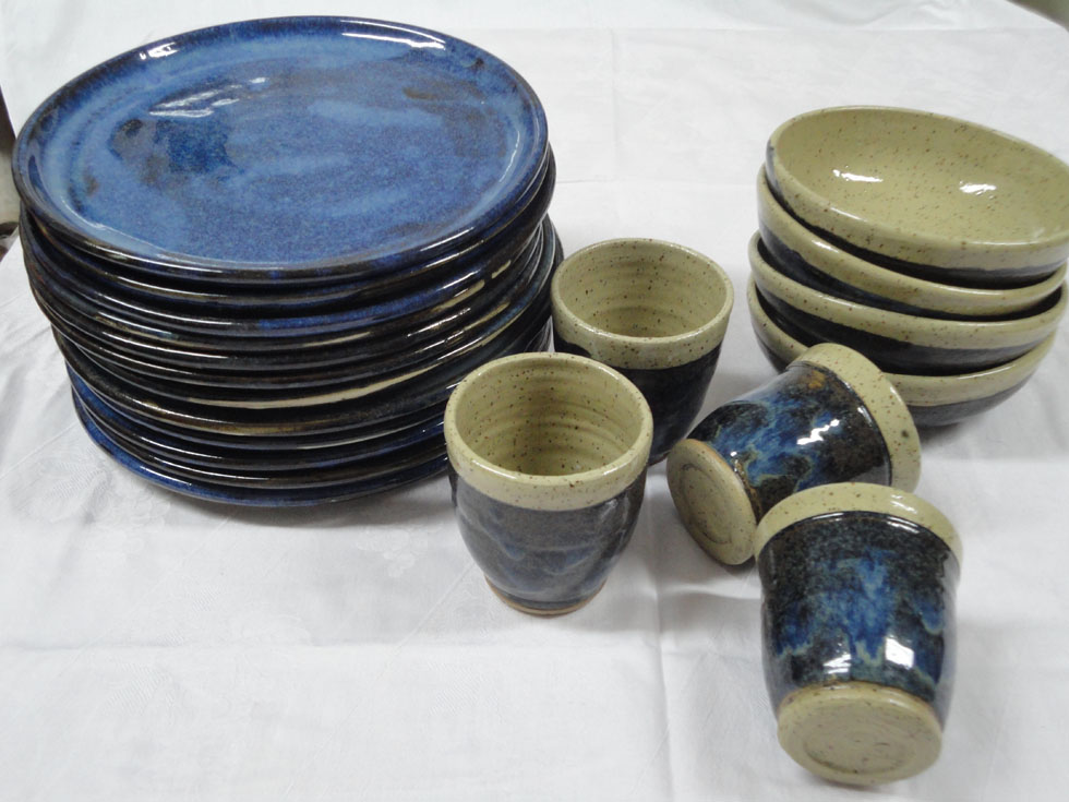 vaisselle en céramique - service d'assiettes - bols