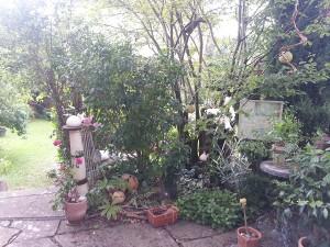 Terrasse weiße Säule Keramik frostfest