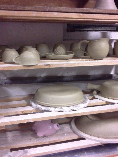 étagère de séchage - atelier de céramique