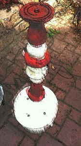 fontaine de jardin rouge blanc