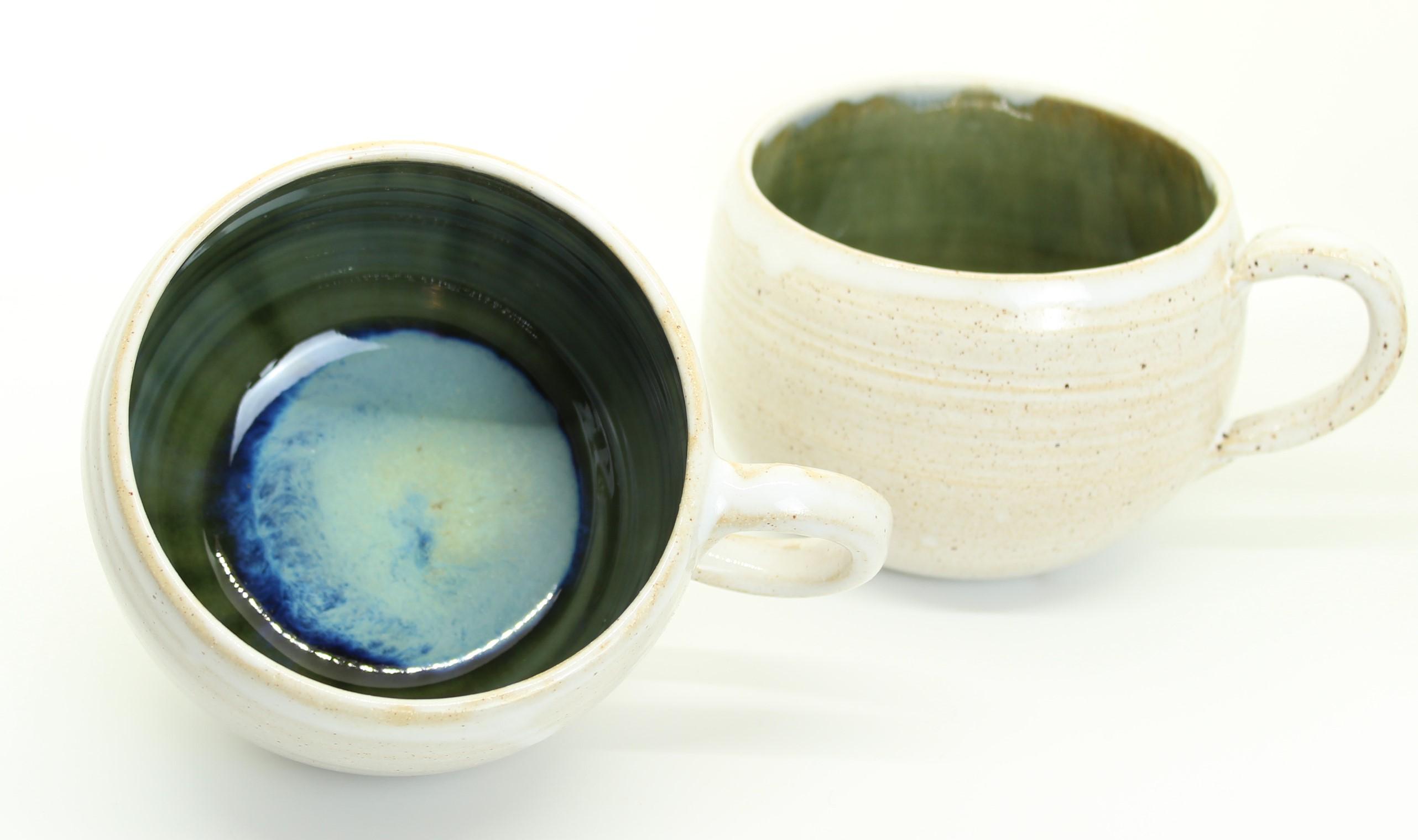runde Tasse - weiß - grün-blau