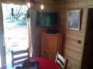 Chalet Les Lupins Chamonix Mont-Blanc coin télé