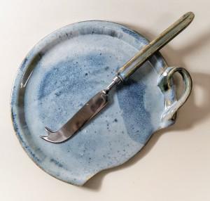 Käseplatte mit Messer von Keramik-Atelier Brigitte Lang in Rauenberg