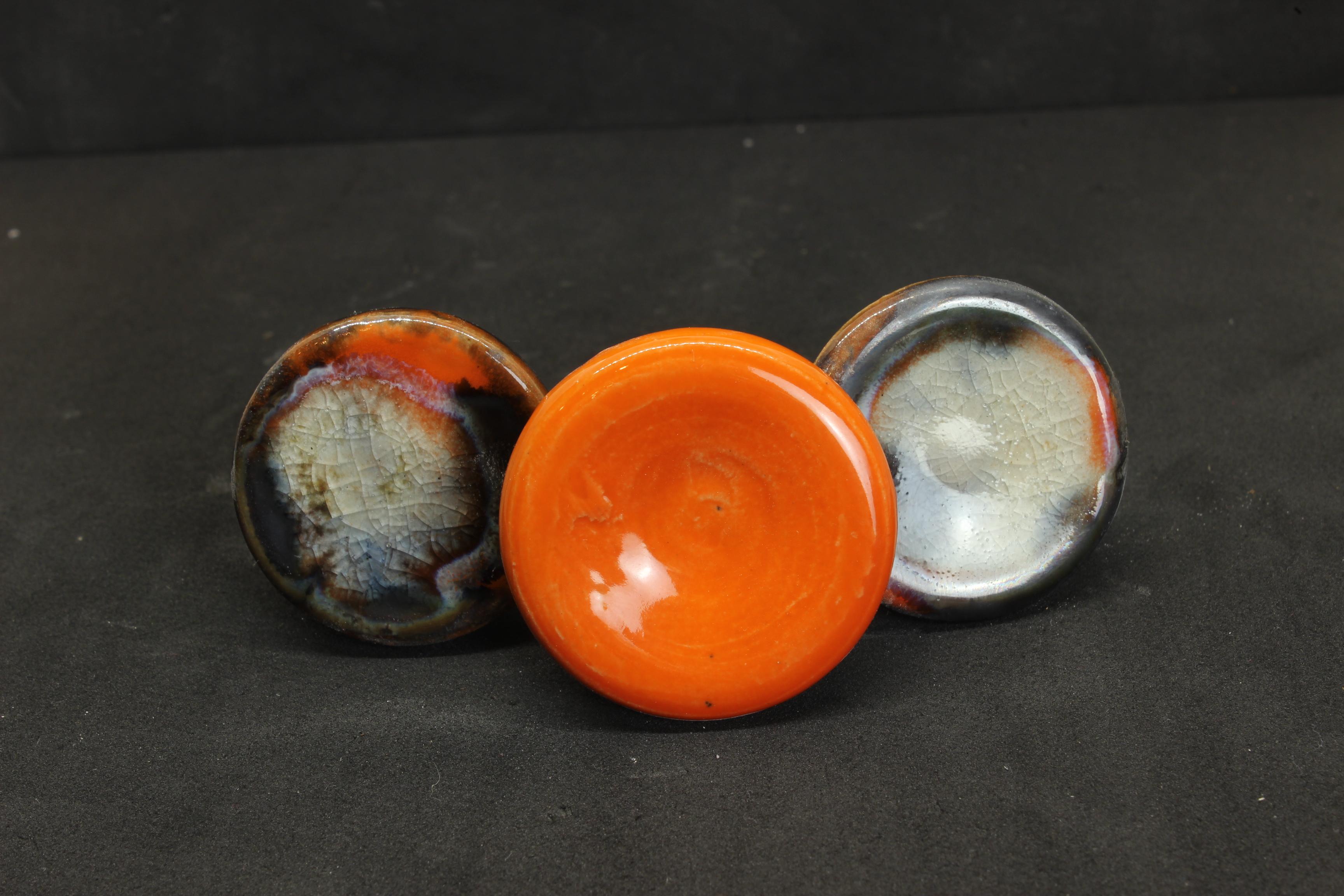 Knauf orange - weiß von Keramik-Atelier Brigitte Lang in Rauenberg
