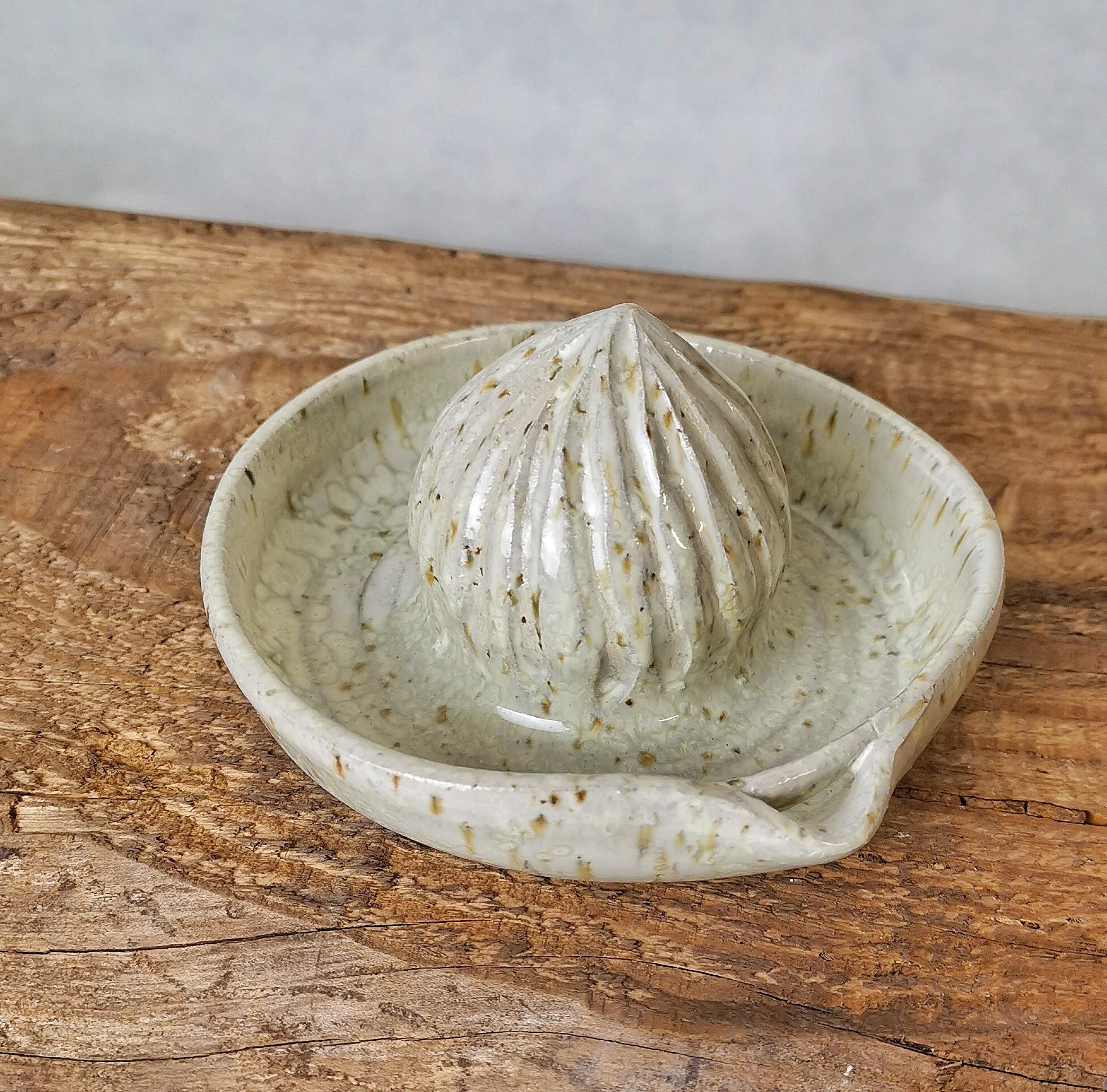 Zitronenpresse Perlmutt von Keramik-Atelier Brigitte Lang in Rauenberg