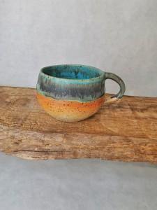 runde Tasse grün-schwarz-orange von Keramik-Atelier Brigitte Lang in Rauenberg